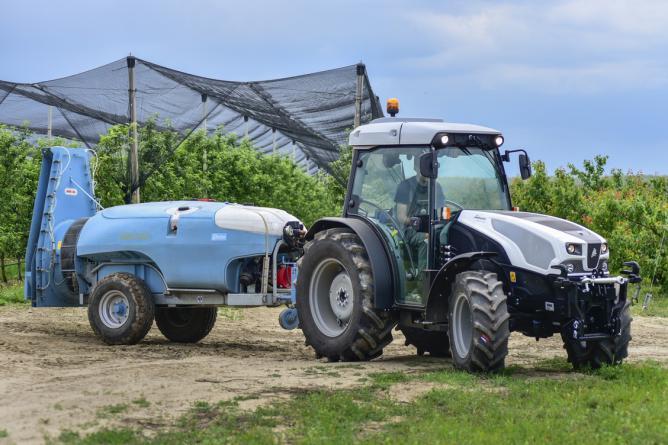 Lamborghini Spire-F 80-115 kertészeti traktorok.