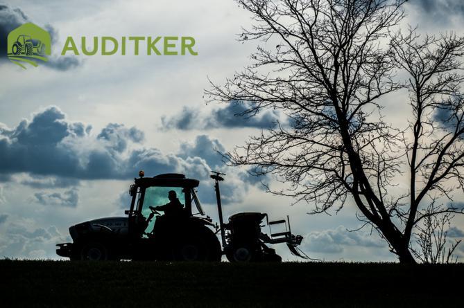Pöttinger Vitasem 302 Classic AuditKer Lamborghini Traktor