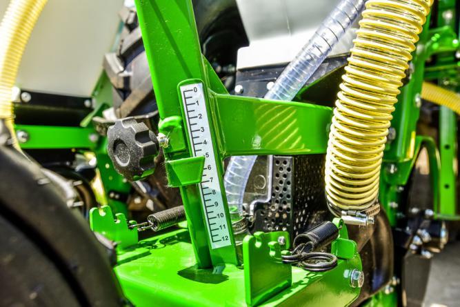 Sfoggia Gamma Plus szemenként vetőgép.